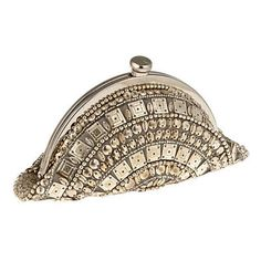 Que tal esta clutch art deco?(art deco clutch I admire the architecture .the clothing.and accessories of this time period! Beaded Clutch, Beaded Purses, Beaded Bags, Vintage Purses, Vintage Bags, Vintage Handbags, Vintage Clutch, Vintage Shoes, Art Deco Fashion