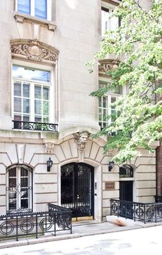 There are few things I find more beautiful than a limestone townhouse facade. Deeply etched ground level with a heavy cornice and perfectly arched entryway, extensive iron work, and beautiful relief carvings above the second story windows. Design Salon, York Apartment, Apartment Entrance, Upper East Side, City Living, Living Room, Architecture Details, Beautiful Architecture, Classic Architecture