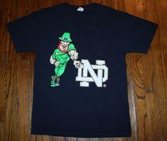 Men's NOTRE DAME Irish Leprechaun St. Patricks T-SHIRT-Medium-Winston Churchill