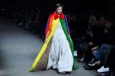 Cara stormed the Burberry runway in February, walking in creative director Christopher Bailey's last London Fashion Week show for the brand. The model closed the show in an incredible, rainbow cape in a homage to LGBTQ+ rights. Fashion Story, Big Fashion, Fashion News, Fashion Design, Fashion Trends, London Fashion Weeks, Cool Street Fashion, Street Style, Christopher Bailey