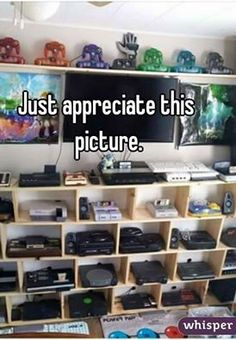Video Game Storage, Video Game Shelf, Video Game Organization, Deco Gamer, Video Game Rooms, Video Games, Gaming Room Setup, Gaming Rooms, Game Room Design