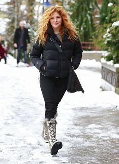Rachelle Lefevre - Rachelle Lefevre Shopping At Sorel In Whistler