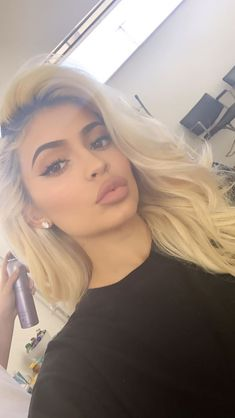 Make-up Kylie Jenner Natürliche Kim Kardashian 47 Ideen Für 2019 - New Ideas Kris Jenner, Kylie Jenner Mode, Trajes Kylie Jenner, Looks Kylie Jenner, Kylie Jenner Snapchat, Kourtney Kardashian, Robert Kardashian, Kardashian Kollection, Kardashian Jenner