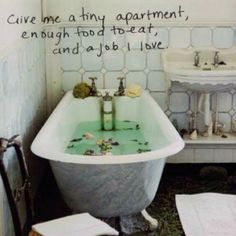 Yes, and a bath tub large enough that I can have my knees and my boobs underwater at the same time!