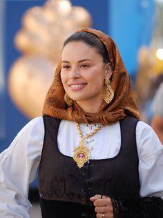 O_sorriso_da_mordoma_(4914074184).jpg (1746×2328) Viano do Castelo