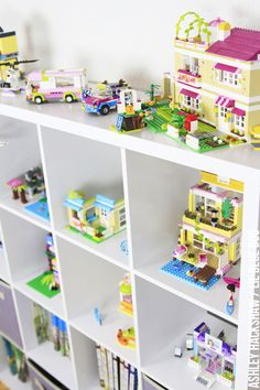 Lego friends storage ideas - Play room and kids room organization More Lego storage and DIY display ideas. How to store legos and display built sets in an attractive way. Store Legos out in the open and without plastic bins.