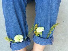Imagen de flowers, jeans, and grunge