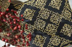 Beautiful Morroccan style pillows embroidered with chainstitches - Embroidery Collection: Maroccan decor #274