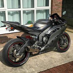 Honda Fireblade • motorcycles-and-more: Yamaha R6