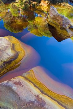 Rio Tinto River - Andalusia, Spain (questa è una meraviglia della natura) Places Around The World, Oh The Places You'll Go, Places To Travel, Places To Visit, Around The Worlds, Beautiful World, Beautiful Places, All Nature, Belle Photo