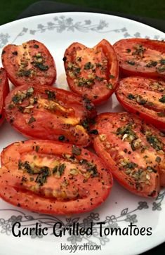 Studio workouts grilled tomatoes, growing tomatoes, tomato p… - Modern Grilled Vegetable Recipes, Grilled Vegetables, Vegetarian Recipes, Cooking Recipes, Healthy Recipes, Vegetarian Grilling, Grilled Fruit, Vegetables To Grill, Garlic Grilled Tomatoes