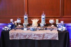 Royal blue and white candy table | villasiena.cc