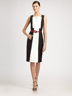 My kinda kolorblock. Carolina did it Classy & Sassy. Square is cool when its the collar and a simple architectural edge, with a solid black back makes it niiiiiiice. Thanks Carolina Herrera. For those days when I want to feel like a sexy Librarian. Love it!
