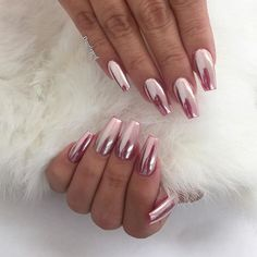 But this Pink Chrome though, probably my favorite right now !! #chromenails