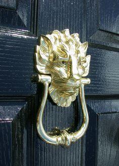Charmant Lion Door Knocker