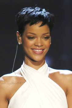 From braids to natural texture and long, sleek hair, too, Rihanna has tried every hairstyle going. British Vogue charts her best hairstyles from 2005 to From scarlet crops to peroxide waves and every hairstyle in between, this is Rihanna's best ever hair. Rihanna Pixie, Rihanna Short Hair, Rihanna Fenty, Rihanna Hairstyles, Celebrity Hairstyles, Cool Hairstyles, Short Pixie Haircuts, Short Hair Cuts, Short Hair Styles