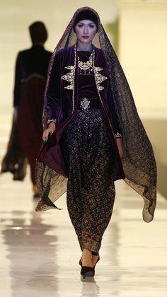 Ghea Panggabean- 2009 Traditional Fabric 58d8b76451