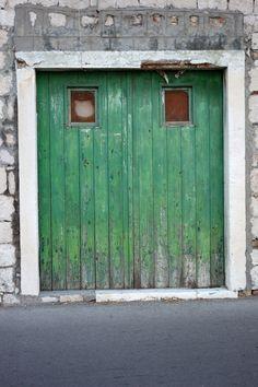 green door / kaštel novi / croatia