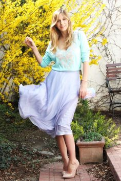 Romanian actress Dana Rogoz - pastels for spring Spring Is Here, Spring Summer, Colour Combo, Color, Pastels, Spring Outfits, Midi Skirt, Style Inspiration, Actresses