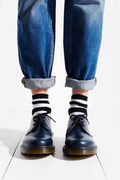 Take a look at the best what jeans to wear with dr martens in the photos below and get ideas for your outfits! How To Wear Doc Martens; Discover and learn the different attires to wear with Doc Martens… Continue Reading → Dr. Martens, Looks Style, Style Me, Dr Martens Outfit, Mode Lookbook, Martens Style, Tokyo Street Fashion, Mode Outfits, Grunge Outfits