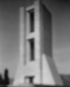 Hiroshi Sugimoto: Monumento ai Caduti (1998) - 918 - blurred architecture series