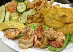 Comida de honduras Honduras Food, Honduras Travel, Honduran Recipes, Good Food, Yummy Food, Roatan, Latin Food, American Food, Central America