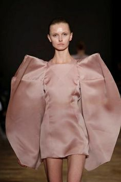 Soft Structures - voluminous wing-like sleeves in sumptuous blush fabric - wearable art; 3D sculptural fashion // Amaya Arzuaga