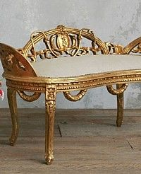 If I owned this French bench you'd never wrench it from me. French Interior, French Decor, French Country Decorating, Interior Design, French Furniture, Antique Furniture, Lounges, French Country Style, French Chic