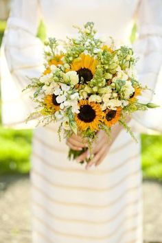 Simply stunning #Sunflower wedding bouquet - Inspiring image from Lovemydress.com