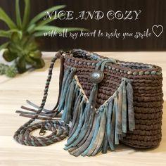 Crochet Handbags, Crochet Purses, Crochet Lace, Crochet Designs, Big Yarn, Yarn Bag, Diy Tote Bag, Macrame Bag, Crochet Tote