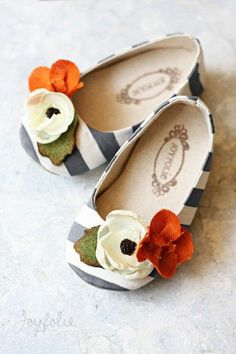 How cute! Baby girl | http://shoesgallerryimages.blogspot.com