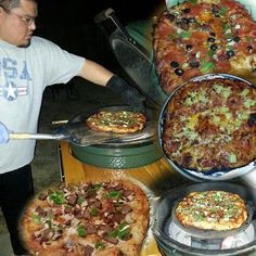 big green egg pizzas for dinner last night...omg, they are the best!!! go get a Big Green Egg!!!