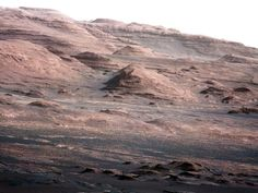 Curiosity's image of Mt. Sharp, Mars. Geologic layers are visible.