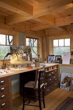 Great area for painting, crafting, or  office space