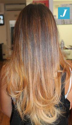 Inimitabili sfumature di Degradé Joelle nelle nuances caramello #cdj #degradejoelle #tagliopuntearia #degradé #igers #naturalshades #hair #hairstyle #haircolour #haircut #longhair #ootd #hairfashion