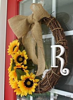 DIY Summer Wreath and Big Announcement - Renter Resources
