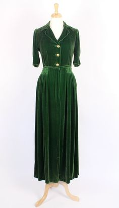 1930s Green Silk Velvet Full-Length Gown.  I do wish it was still cool to swathe oneself completely in bright-hued velvet.