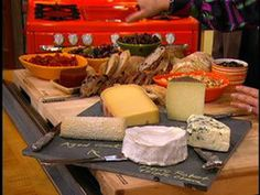 How to Make a Holiday Cheese Plate