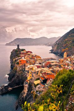 20 gorgeous honeymoon spots to visit after your wedding day: Cinque Terre, Italy