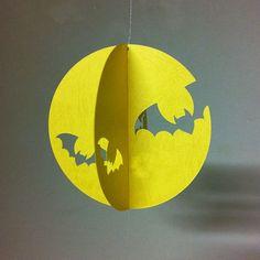 モビール:「リトル・ウィッチ」 | ハンドメイドマーケット minne Halloween House, Halloween Kids, Halloween Crafts, Halloween Decorations, Crafts To Do, Fall Crafts, Diy Crafts For Kids, Paper Crafts, Halloween Activities