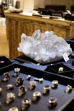 Presentation of the first collection. Smokey Quartz, Presentation, Crystals, Crafts, Jewelry, Jewlery, Gifts, Jewellery Making, Jewels