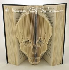 skull Books Transformed into 3 D Origami Symbols Isaac Salazar Skull And Bones, Sculptures, Altered Books, Skull, Skull Art, Creative, Artist Books, Book Art, Paper Sculpture