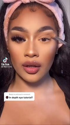 Follow us to get you more inspiration of Fashion & Beauty! #iseehair #iseehairbeauties #makeup #makeuptutorial #blackgirlsmagic Makeup For Black Skin, Black Girl Makeup, Girls Makeup, Maquillage Black, Maquillage On Fleek, Glitter Makeup Looks, Makeup Eye Looks, Brown Makeup Looks, Dramatic Eye Makeup