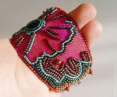 Onyx Flower cuff bracelet tutorial (Customer Design) - Lima Beads