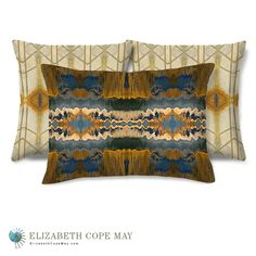 Middle East meets the AmericanSouthwest in the subtlerust and ivoryof Moroccan Breeze and theexuberant cobalt blue and antique gold of Southwest Loom.Discover more throw pillows at ElizabethCopeMay.com