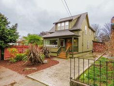 1907 ballard craftsman. cute front view, but sad remuddled HELL inside and in back. Why?