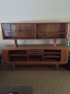 Kijiji - Buy, Sell & Save with Canada's Local Classifieds Teak Sideboard, Credenza, Hutch Display, Jan 1, Danish, Mid-century Modern, Mid Century, Cabinet, Image