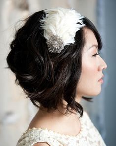 love this feather accessorie