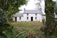 bryn eglur - a lovely Welsh cottage! Welsh Cottage, Cottage Farmhouse, Cozy Cottage, English Country Cottages, English Countryside, Love Your Home, My Dream Home, Cottage Exterior, Country Interior