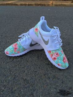 Super Cheap! Nike roshe,nike free,nike shoes,nike air max,get one nike shoes only $21.9,Repin it now
